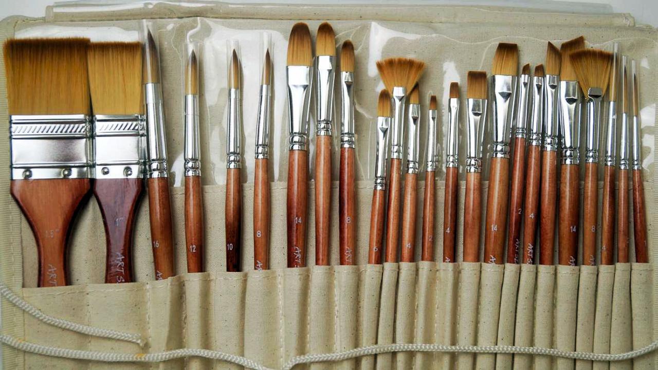 Какие кисти используют для рисования маслом на холсте