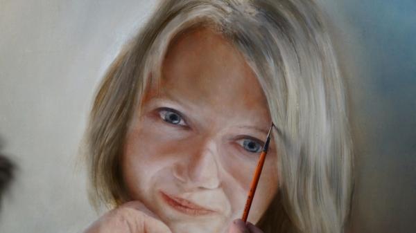 Портрет девушки - фрагмент 1